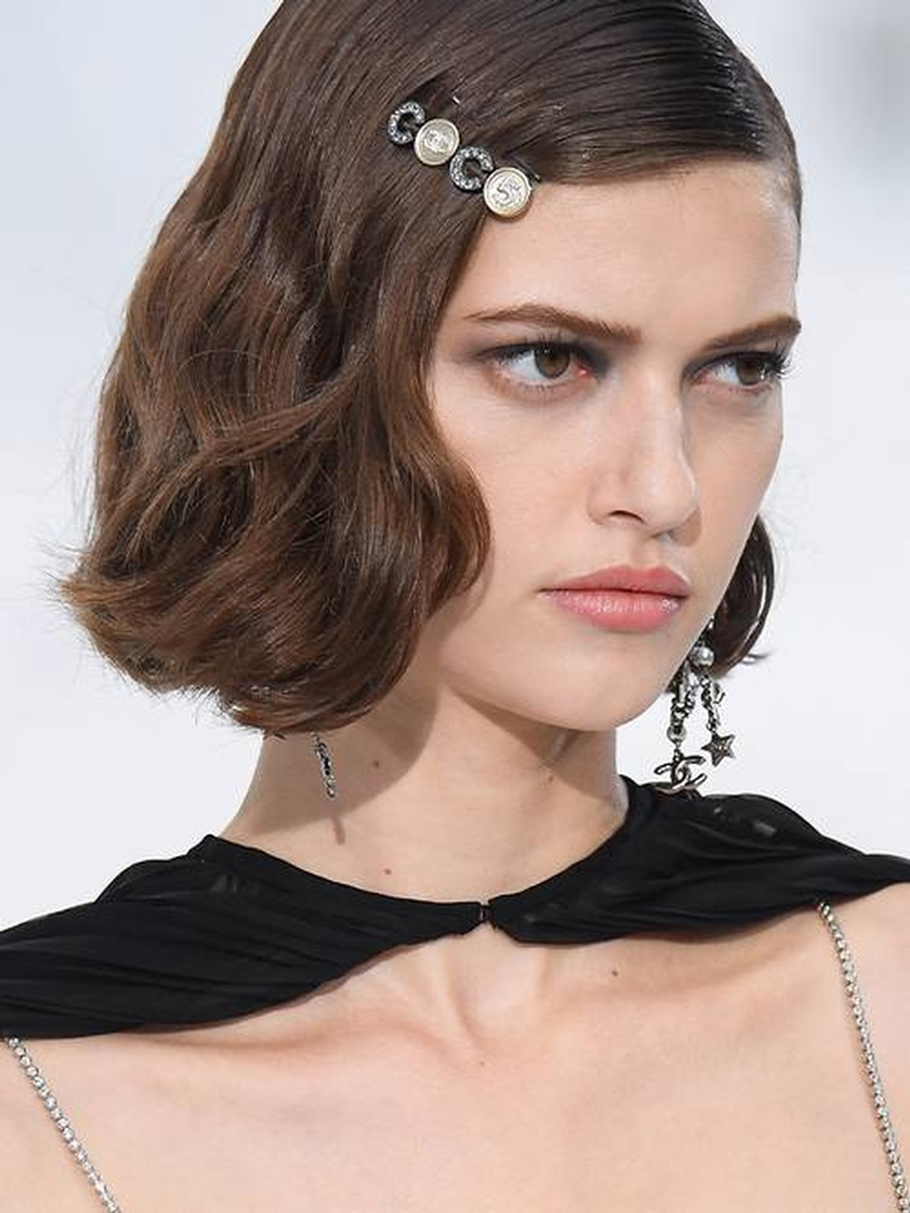 spring-summer-2020-accessory-trends-289536-1602236860285-image.500x0c.jpg
