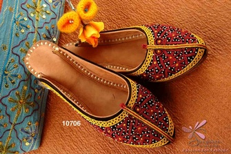 Ladies Juttis Online at Sangeeta Enterprises
