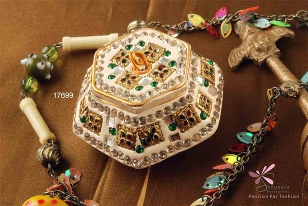 A rich and ornate design decorative pill box by Sangeeta Enterprises