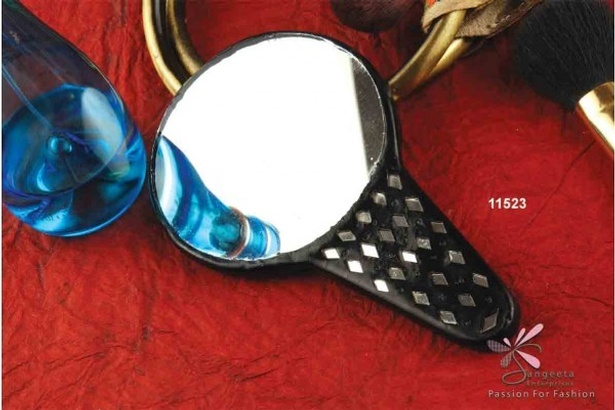 Lac, metal and glass purse mirror in black colour