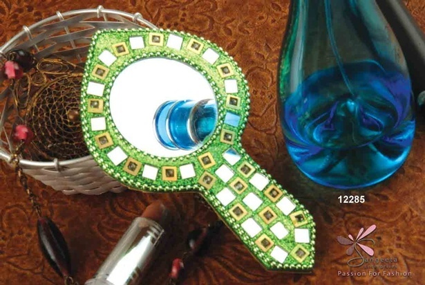Lac, metal, glass, glitter and sequins purse mirror in green colour