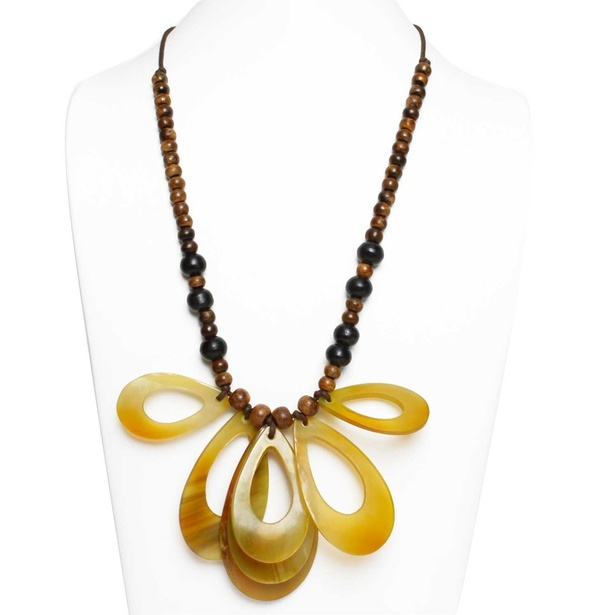 Horn Bead Chunks Pendant Necklace