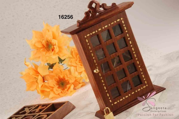 Sheesham wood  key holder box by home decor suppliers - Sangeeta Enterprises