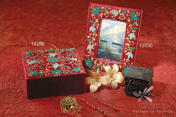 Silk and sequins jewellery box in maroon colour - Wholesale Jewellery Boxes Online by Sangeeta Enterprises