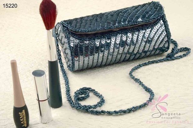 Glass and sequins evening bag in gunmetal colour