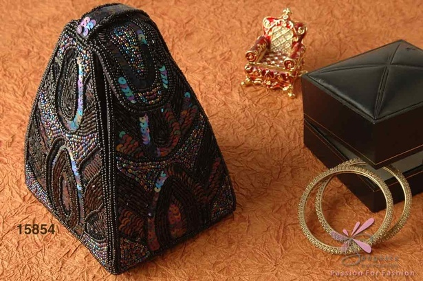 Black pouch in fabric, glass and sequins