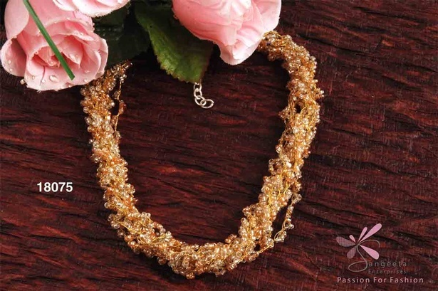 beautiful honey and white necklace in seed beads - Beaded Necklaces Online at Sangeeta Enterprises
