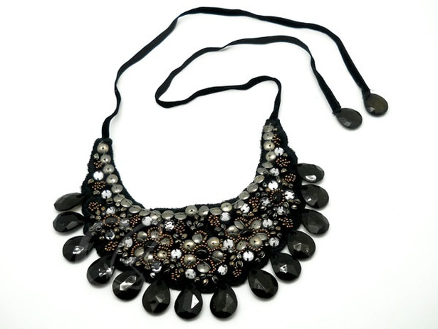 Glamour Black Metal Bead Acrylic Bead Choker Necklace at Sangeeta Enterprises