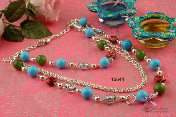 Multi-row chain necklace with glass beads