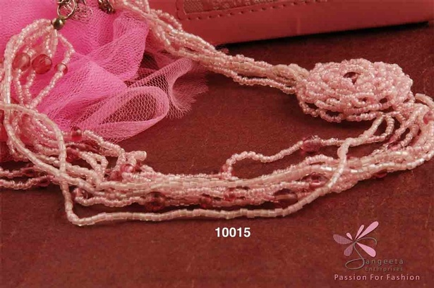 Baby pink colour seed beads charming necklace
