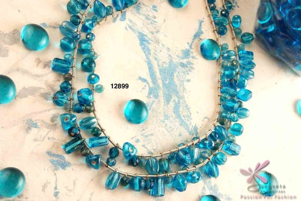 Glass and metal necklace in turquoise blue colour