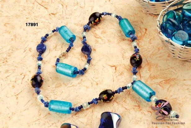 Y necklace of glass beads, glass uncuts and silver-foil glass beads in dark blue and black colour